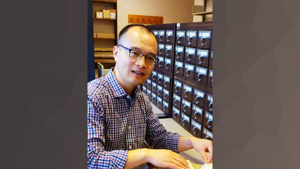 Prof. Junli Daio Receives Award for 'Best Research'