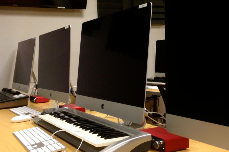 LL02 Computer Lab workstations
