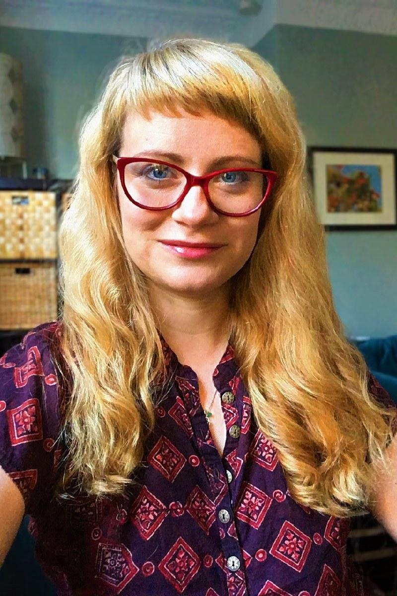 Davies, Kristin