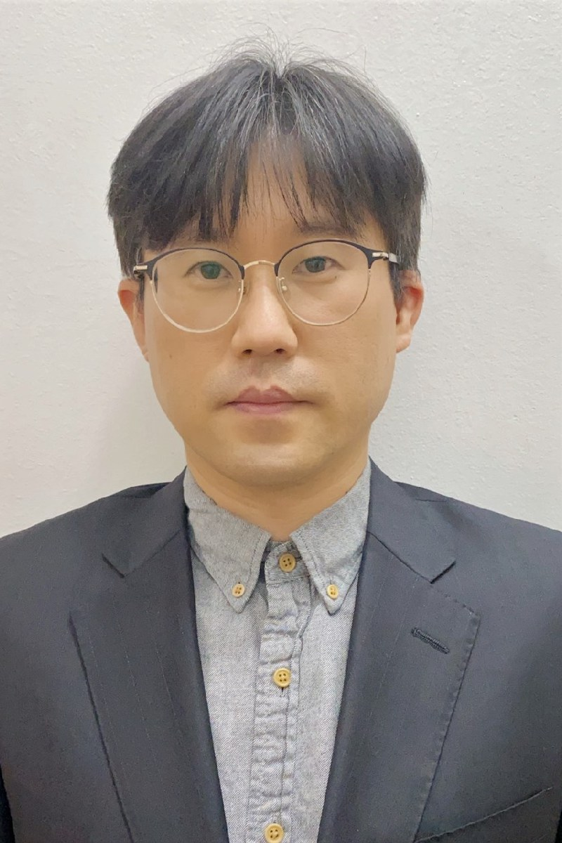 Lee, Yong Kyu